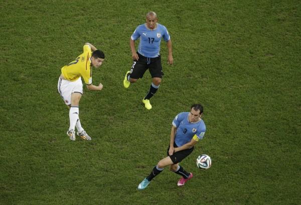 世界盃最佳進球 J羅凌空抽射奪冠