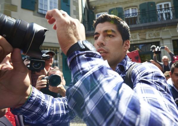 蘇阿雷茲咬人 上訴國際運動仲裁庭首度開庭