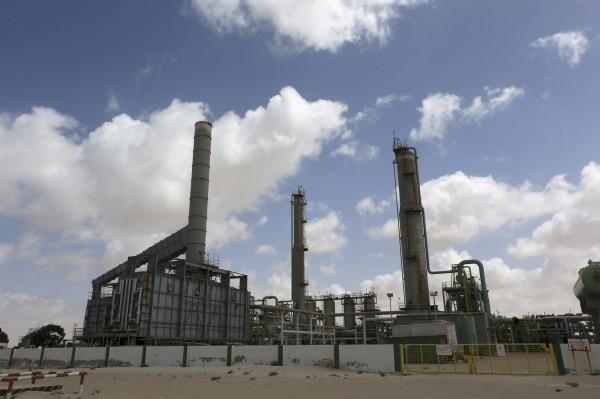 国际原油跌破每桶100美元